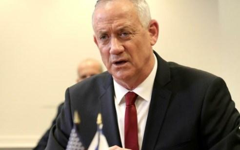 """שר הביטחון גנץ ימריא הלילה לארה""""ב לפגישה עם שר ההגנה האמריקאי"""