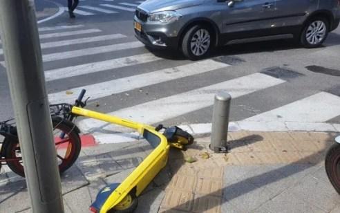 רוכבת קורקינט חשמלי נפצעה בתאונה בנתניה – מצבה בינוני