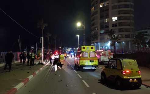 רוכב אופנוע כבן 25 נהרג בתאונה בטיילת בבת ים