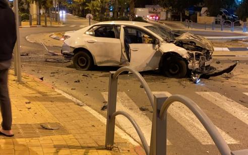גבר כבן 50 נפצע קל בפיצוץ מטען ברכב בראשון לציון | תיעוד