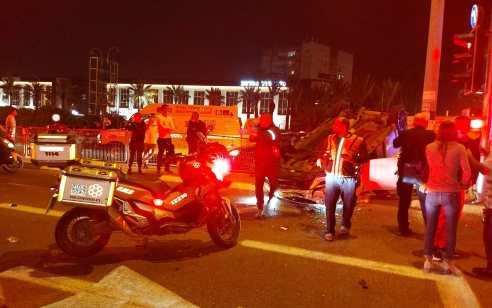 בן 39 נפצע בהתהפכות רכבו בצומת אזור – מצבו בינוני