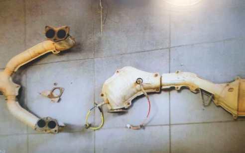 כתב אישום נגד תושב הדרום שפירק ממירים קטליטים מ- 15 כלי רכב באזור השרון | תיעוד רגע המעצר