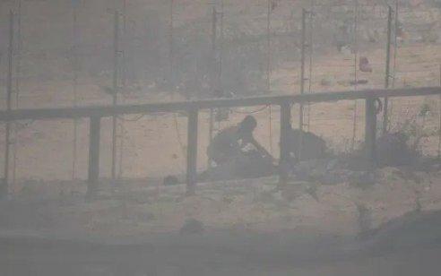 """צה""""ל עצר שלושה חשודים שחצו את גדר המערכת בדרום הרצועה"""