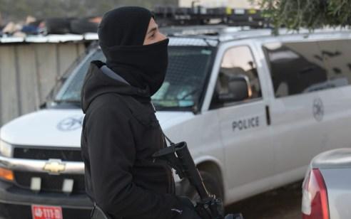 המשטרה פשטה על טמרה: 19 נעצרו בחשד למעורבות באירועי אלימות, הצתות, סחר בסמים וירי