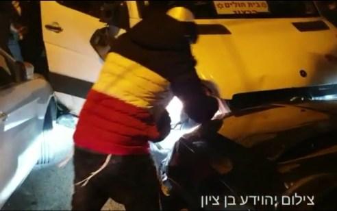 כתב אישום נגד שני צעירים ונער שהשתתפו בהתפרעות בירושלים שבמהלכה דרס נהג הסעות מפגין
