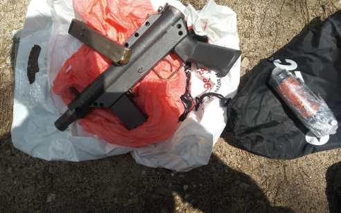 בתום חקירת משטרה: הצהרת תובע הוגשה נגד תושב עראמשה שעפ״י החשד החזיק בנשק ורימון הלם