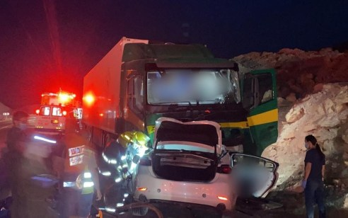 שני הרוגים בתאונה בין משאית לרכב פרטי בכביש 90 דרומית לצוקים