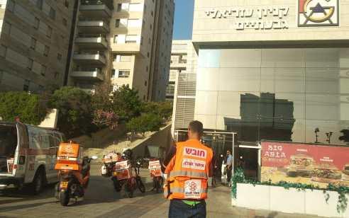 בן 48 נפצע אנוש מפגיעת משקולות במכון כושר בגבעתיים