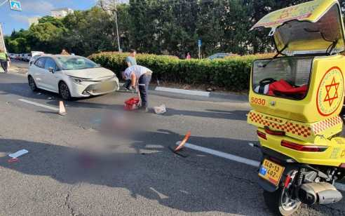 הקטל בכבישים: הולכת רגל בת 69 נהרגה מפגיעת רכב בחיפה