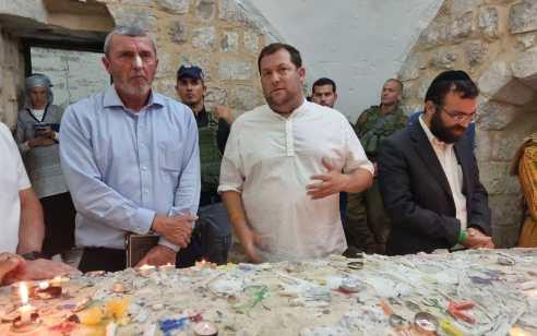 מעל 3000 בני אדם עלו הלילה לקבר יוסף