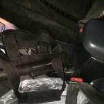 """לוחמי מג""""ב עצרו שני ערבים שהחזיקו נשק ברכבם בסמוך לבסיס מג""""ב שבחברון"""