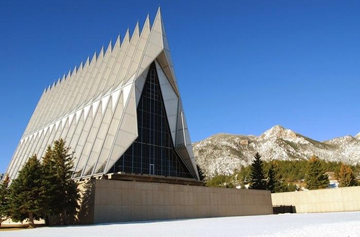 Καταπληκτικοί Χώροι Λατρείας Ναοί United States Air Force Academy Cadet Chapel in Colorado