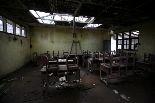 Εγκαταλειμμένα μέρη στον κόσμο school Simacem indonesia