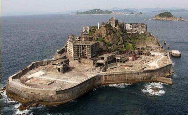 Πέντε ανατριχιαστικοί προορισμοί Hashima Island allabout.gr