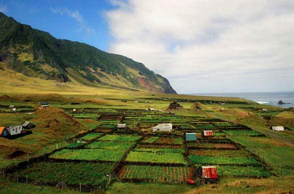 Extreme προορισμοί του πλανήτη Tristan da Cunha allabout.gr
