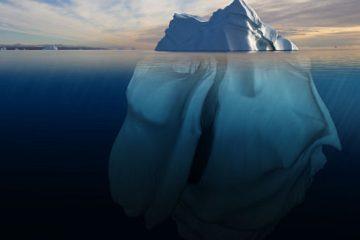 Πώς είναι τα παγόβουνα κάτω από το νερό allabout.gr