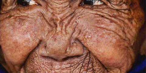 Μια γυναίκα 100 ετών γίνεται 20 μέσα σε λίγα λεπτά
