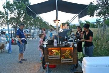 μικρό cafe bar δρόμου