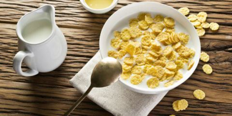 4 Απίστευτα πράγματα που μπορείτε να κάνετε με το ληγμένο γάλα σας