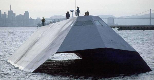 Sea Shadow: Το πλοίο τεχνολογίας stelth του αμερικανικού πολεμικού ναυτικού που κατέληξε για παλιοσίδερα.