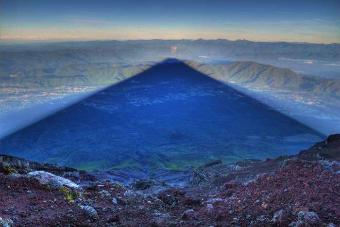 Η σκιά του βουνού Fujiyama, μήκους 15 μιλίων