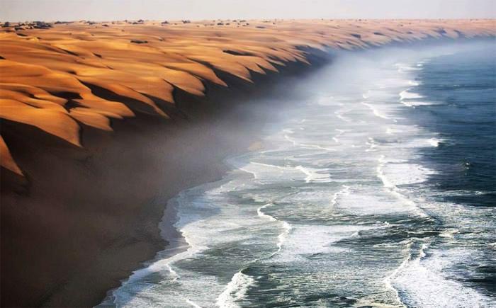 Εκεί που η έρημος Namib συναντά την θάλασσα