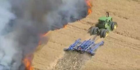 Αγρότης παλεύει με τις φλόγες και σώζει 50 στρέμματα γης
