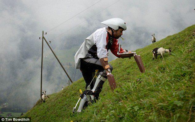 εγκατέλειψε τη ζωή του στο Λονδίνο για να γίνει μια πραγματική κατσίκα στην Ελβετία 2
