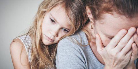 παιδί της γύρισε σπίτι με άσχημα νέα