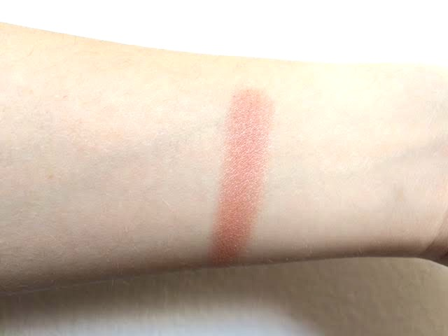 43774 b0bda312 3164 4289 aaf6 6c4749df5641 - Essence Silky touch blush – 100 Indian summer
