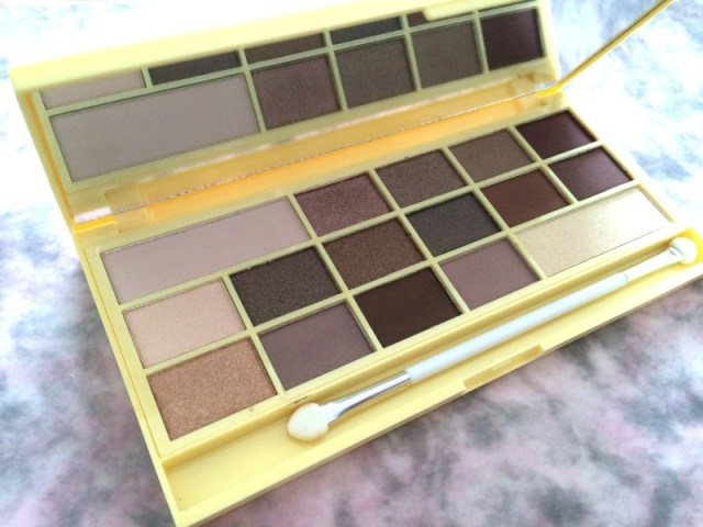 66bd6 img 0912 - I Heart Makeup Naked Chocolate Eyeshadow Palette