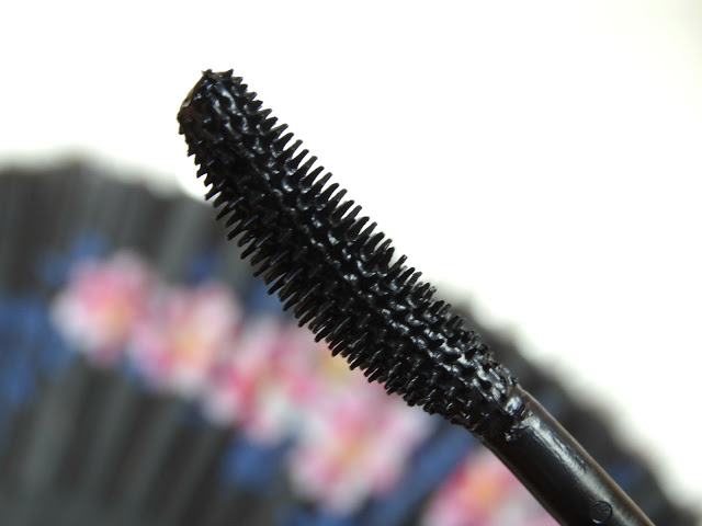 71e20 dsc04323 - Catrice Glam & Doll False Lashes Mascara