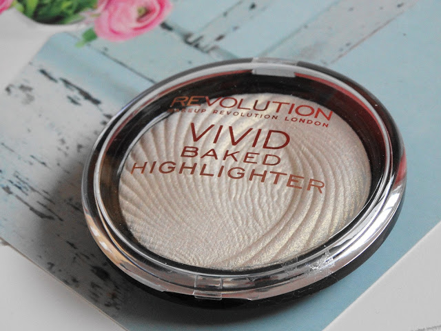 9f8ef dsc046682b252812529 - Makeup Revolution Vivid Baked Highlighter - Golden Lights