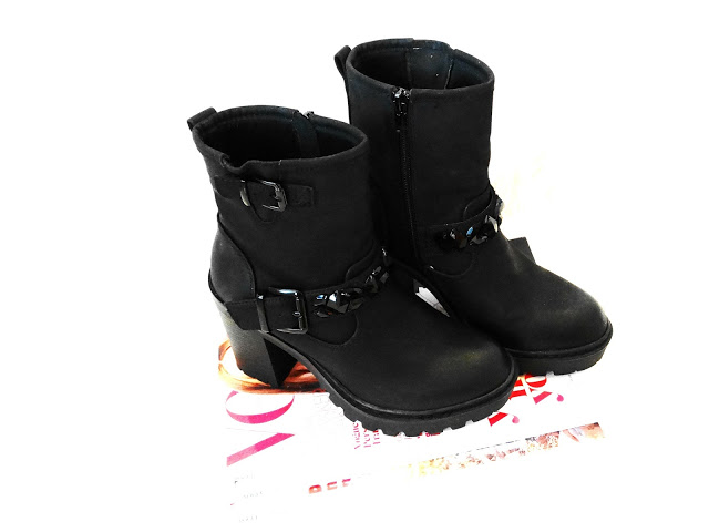 a4ab8 dsc097142b2528125291 - NEW IN ♥ ZWARTE BIKERBOOT STRASS