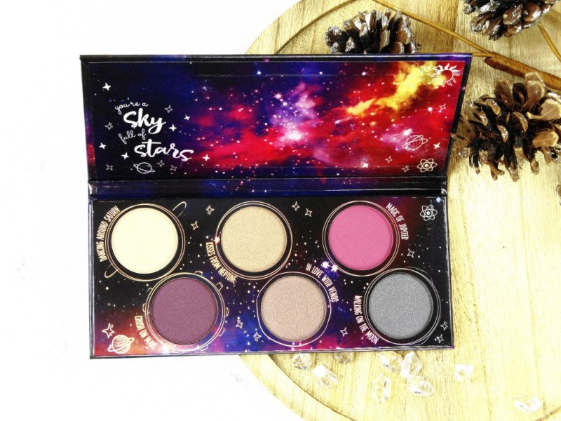 DSC02570 1 InPixio InPixiog edited - ESSENCE 'DANCING IN THE MILKY WAY' EYESHADOW PALETTE