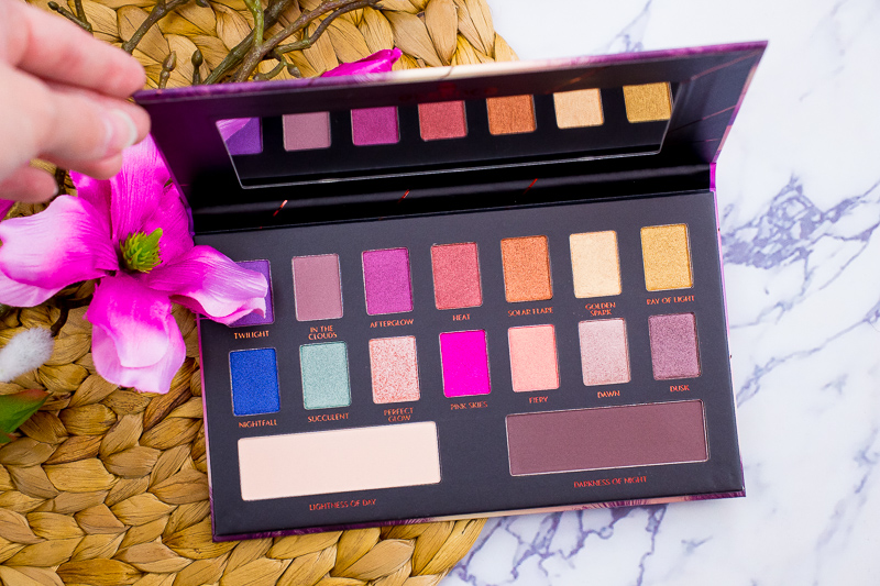 IMG 5229 - ESSENCE EPIC SUNSET EYESHADOW PALETTE