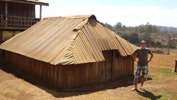интересные дома в мондулкири, камбоджа