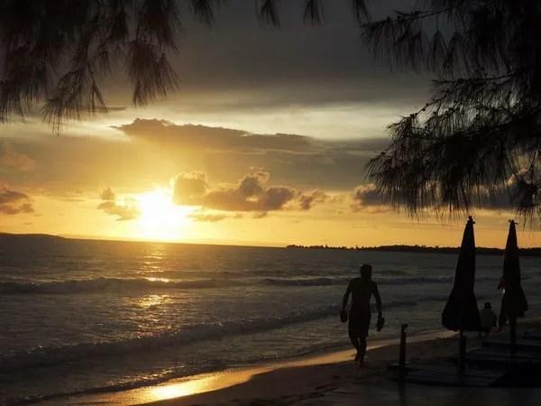 небо в сиануквиле камбоджа