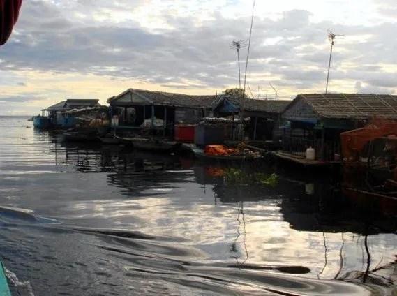 рыбалка на озере Тонлесап в Камбодже