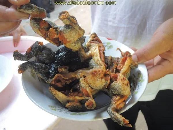 жаренные лягушки в камбодже
