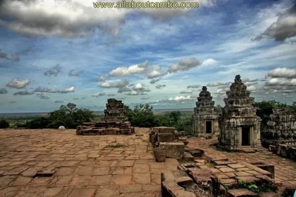 храм Пном Бакенг