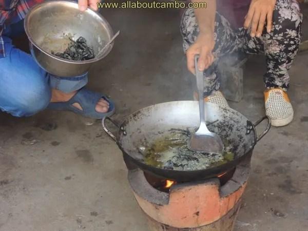 необычная еда в камбодже
