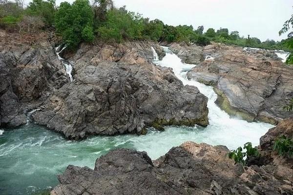 водопад Songphanit Лаос