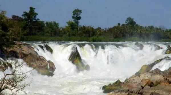 посмотреть водопады южного лаоса