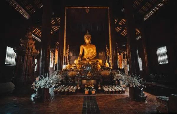 Тиковый храм в Чианг Мае