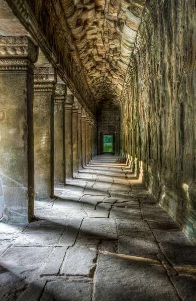 labirinty-angkora