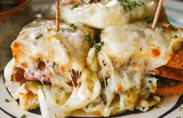 best cheese dishes in Delhi