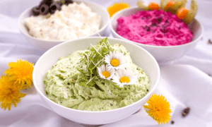 5 Recipes For Dips That Will Spice Up Your Next House Party