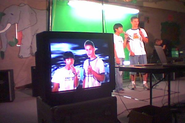 make a music video with video karaoke