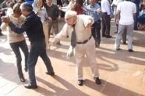 140722-grandpa-dancing-video-815a_5d61a1c728b9466bc2703075b4de9243-nbcnews-fp-480-320-250